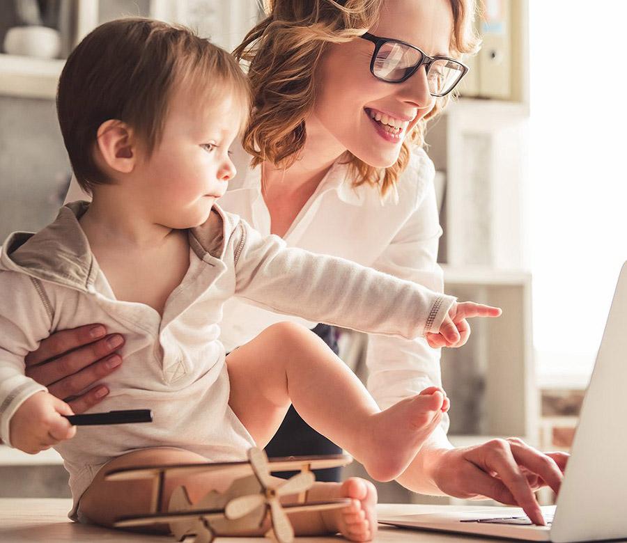 mom child banking online